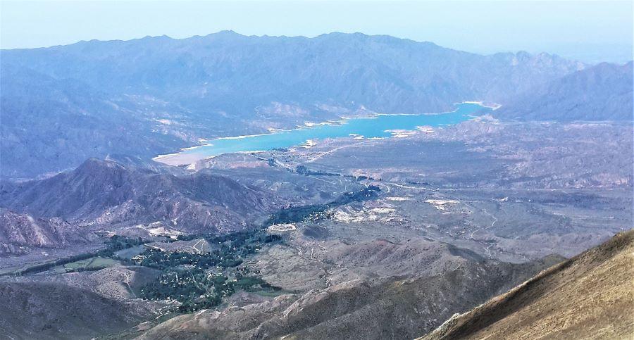 Te proponemos una experiencia en el el corazón de la montaña de Mendoza. Alcanzá cumbres con vistas inigualables.